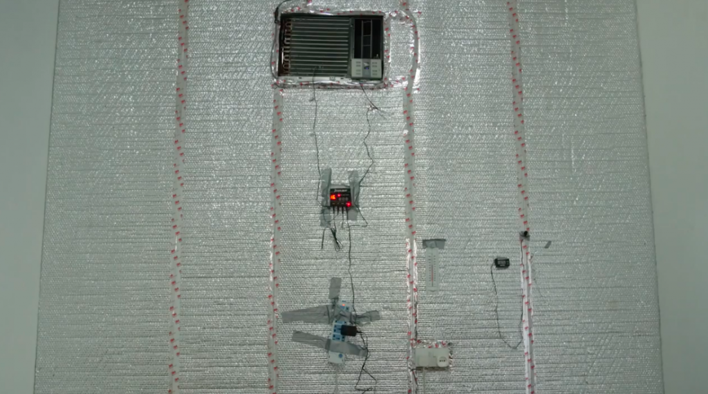 """Cold room with an room air conditioner and a """"CoolBot"""" device, Source: World Vegetable Center, """"Cooling Methods"""", 2017, Youtube"""